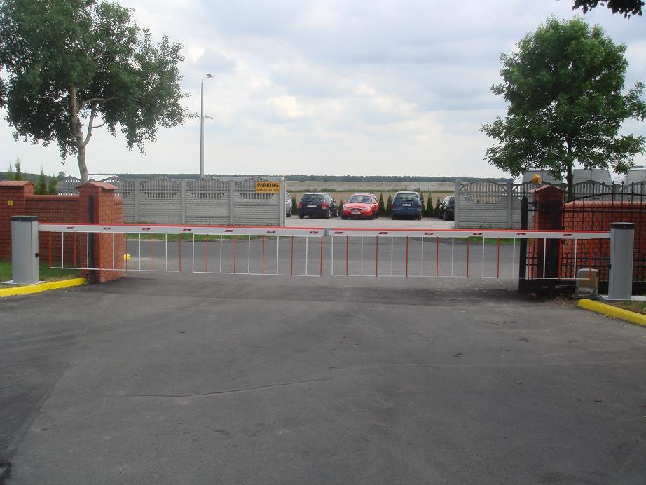 Boom Gate Merek NICE 6